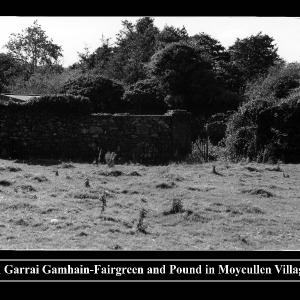 an-garrai-gamhain-fairgreen-pound-in-moycullen-village