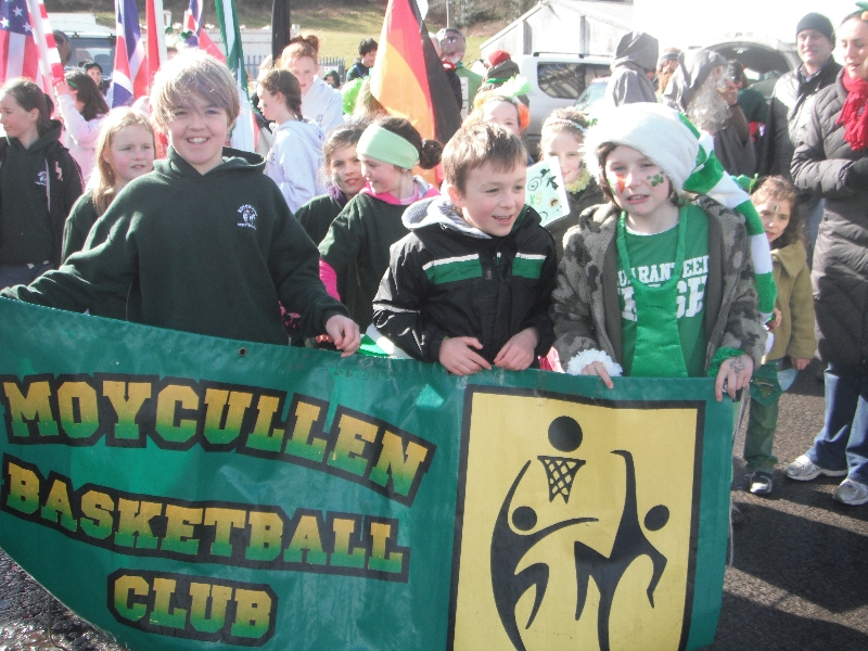 Moycullen's St. Patrick's Day Parade 2013 - Moycullen Basketball club marches at the parade