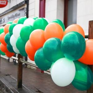moycullens-st-patricks-day-parade-balloons