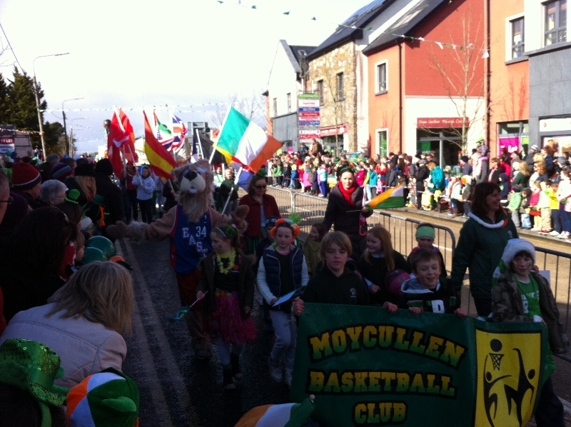 Moycullen's St. Patrick's Day Parade 2013 - Moycullen Basketball club
